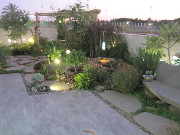 גינה מעוצבת ללא דשא
