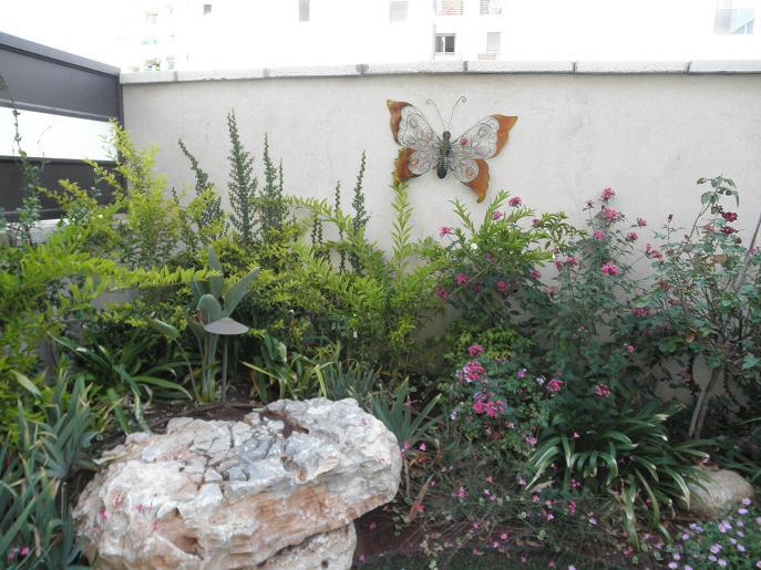 קישוטים משלימים לגינה