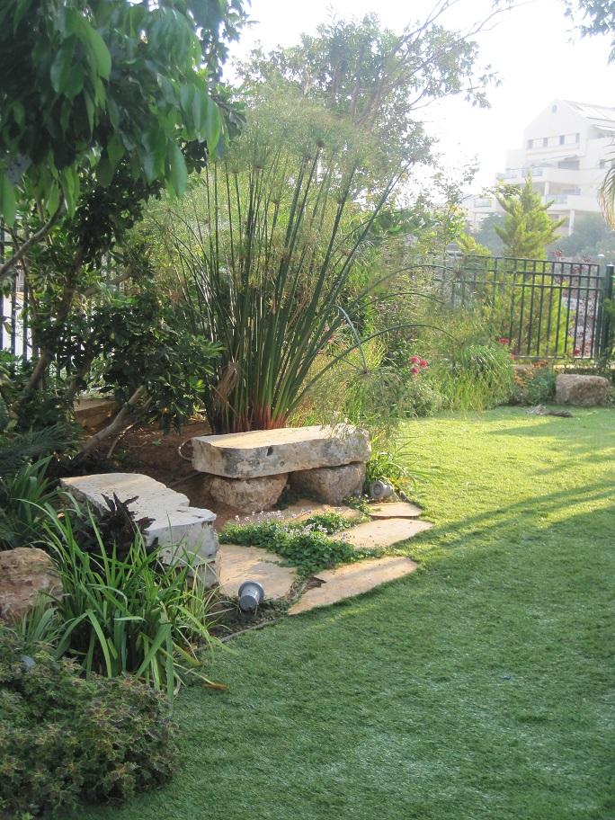 פינת ישיבה נחמדה בעיצוב הגינה