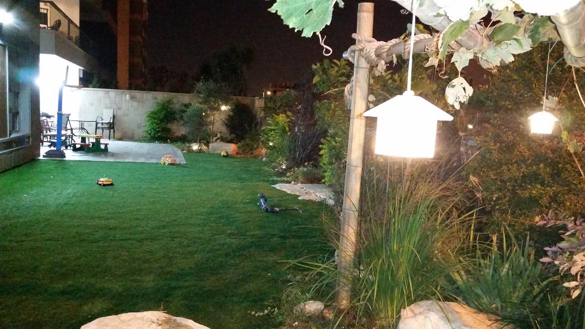 דירת גן עם תאורת גינה בקריית אונו