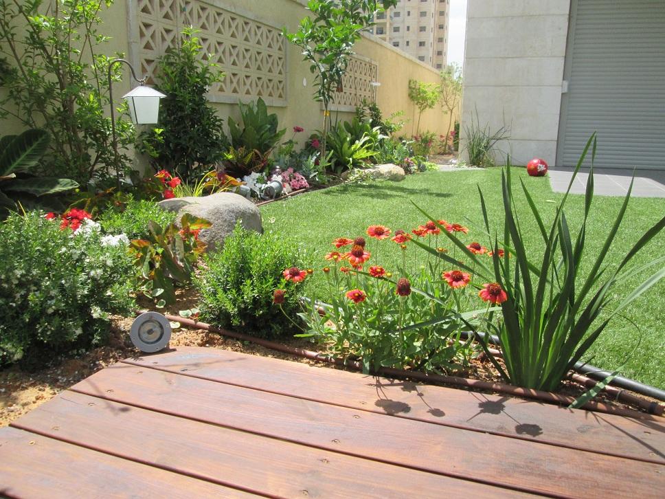 בגינה זו רואים פתרון אמיתי של גינה ולא חצי עבודה כמו שרואים לרוב