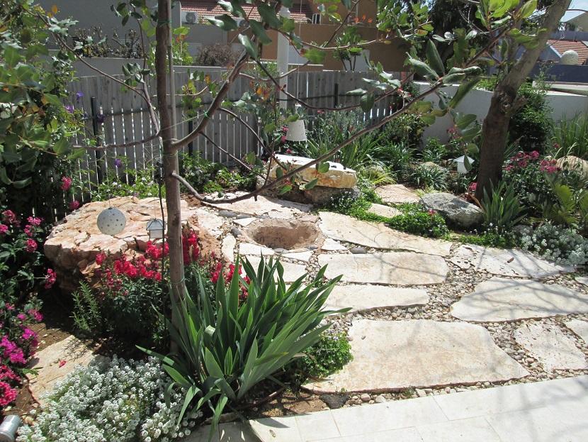 חור לעשות מדורה בגינה
