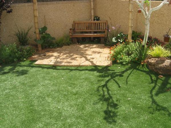 פינת ישיבה בעיצוב הגינה