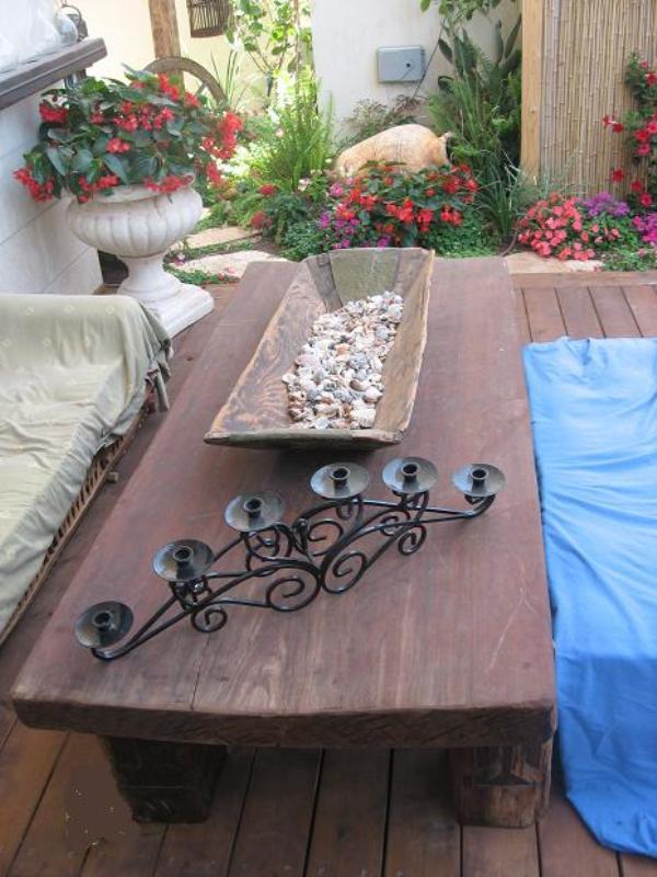 שולחן עץ גושני