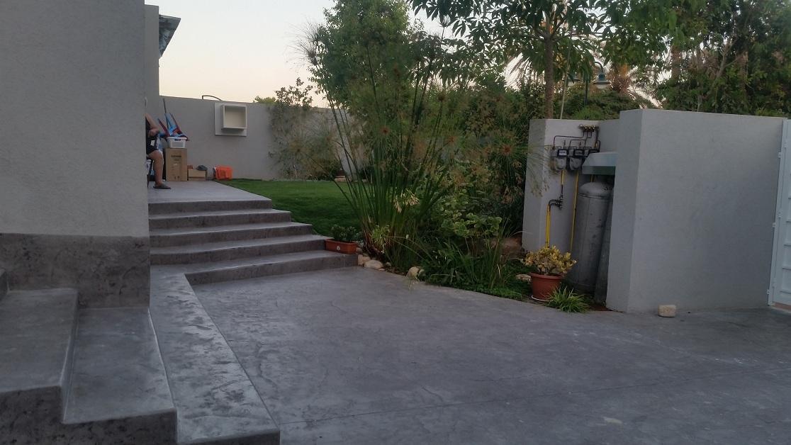 מבט נוסף אל הדירה הקדמית והפיתוח גינון שלה